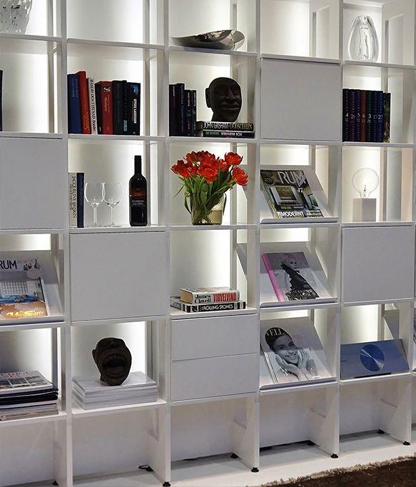 Stripe byggbar bokhylla med led-belysning