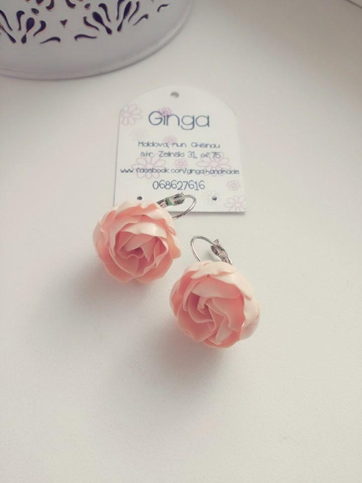 Ivory polymer clay flowers. Handmade earrings.