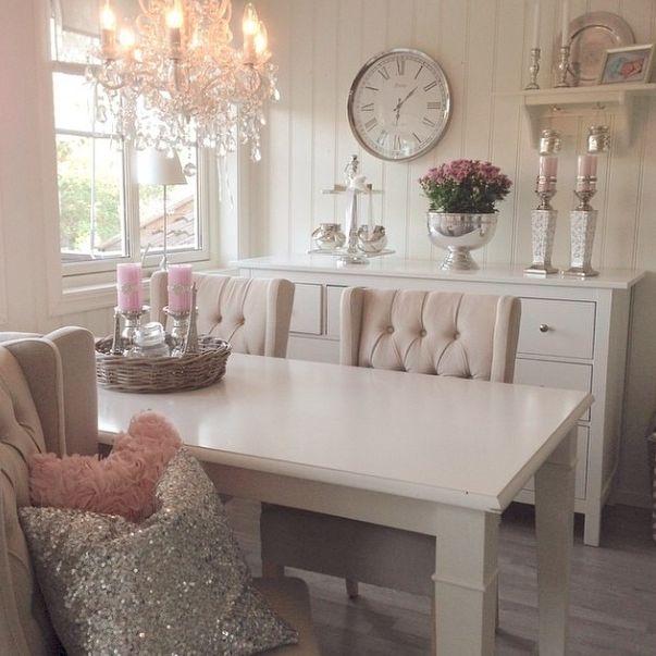 17 beste idee n over roze woonkamers op pinterest roze muren roze bank en roze slaapkamers - Deco eetkamer oud ...