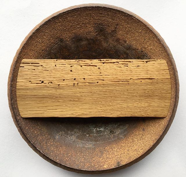 150 years old piece of oak in Mirka's tea pillow. Wood comes from retired door jamb, beautifully marked by bugs. #wood #oak #old #reclaimed #teapillow #mirkarandova #potsandtea #woodart #teabridge #ondrejsedlak #woodworking