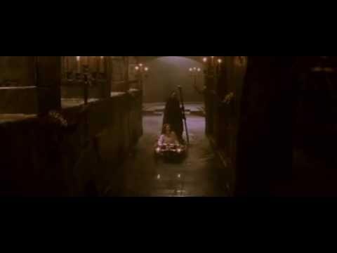 """La célèbre chanson """"Le Fantôme de l'Opera"""" tirée du film du même nom dans sa version de 2004. Elle est en Français. J'espère que vous apprécierez^^"""