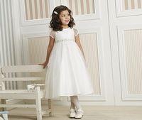 Een prachtige jurk voor een bruidsmeisje of als communiejurk. Deze komt uit de collectie van Lilly en is verkrijgbaar bij Corrie's bruidskindermode. Trouwen, bruiloft, huwelijk, bruidsmeisjes, bruidskinderen, communie, bruidsmeisjesjurk, communiekleding, communiejurk. bruidskindermode.nl