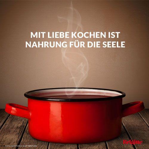 Mehr Zitate rund ums Essen und Genießen gibt's hier: http://www.brigitte.de/rezepte/koch-trends/sprueche-essen-1216472/