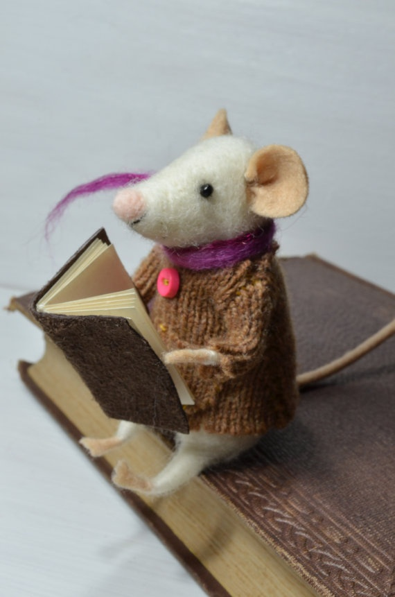 Little Reader Mouse unique needle felted by feltingdreams