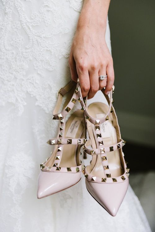 The Valentino Rockstud heel is the perfect shoe for a bride | Rustic and elegant garden themed wedding | Wedding inspiration | Photography: Erin Leydon