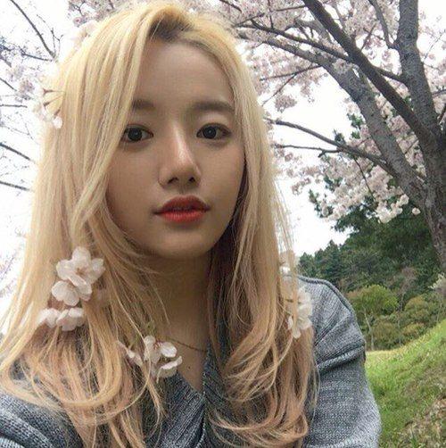 ulzzang, asian girl, and korean girl image
