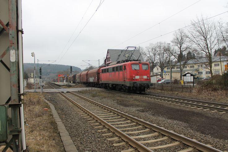 2012.03.13. 140-502 hat gerade einen schweren Güterzug nach Welschen Ennest nachgeschoben
