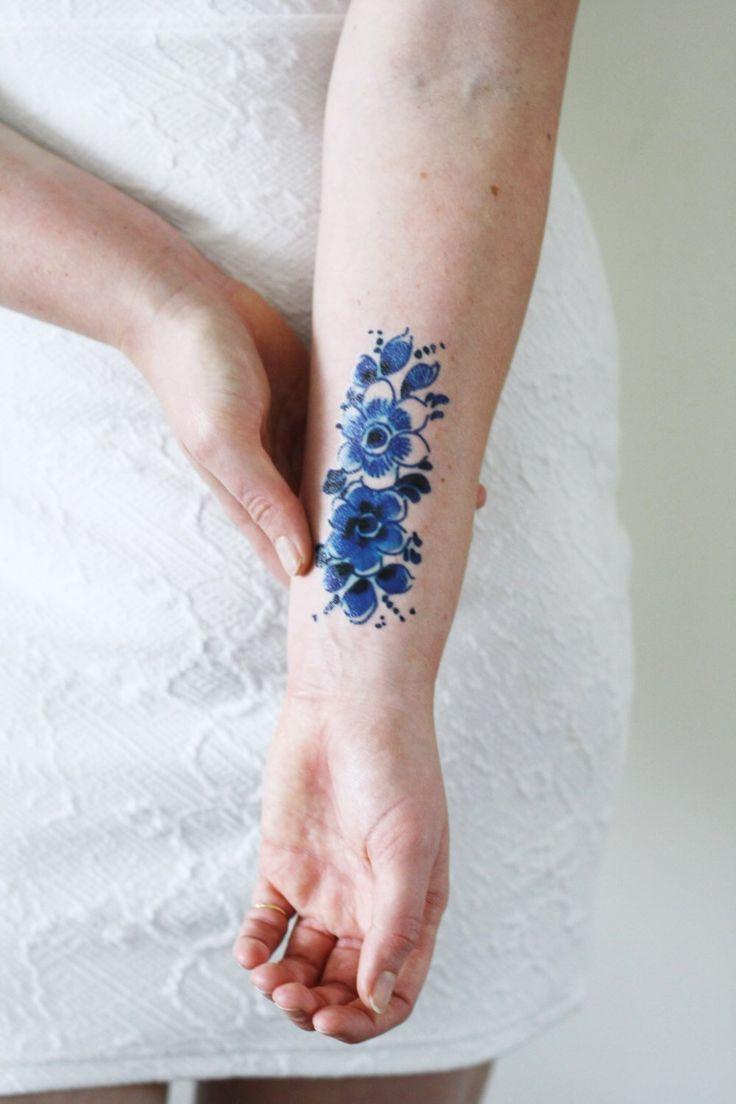 Hollandisches Temporares Tattoo In Delfter Blau Hollandisches Temporares Tattoo Blau Kleine Tattoos Tattoo Frauen Mini Tattoos