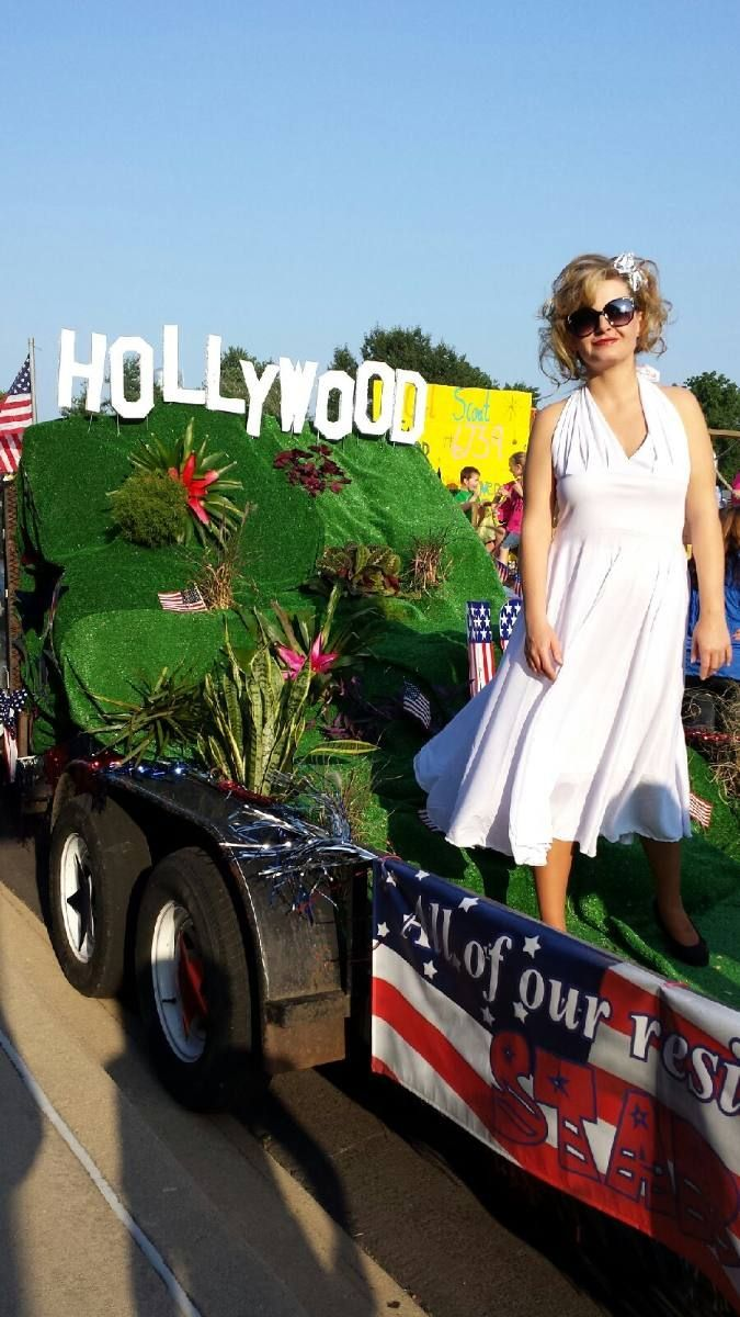 28 best Homecoming Ideas images on Pinterest   Homecoming ideas ...