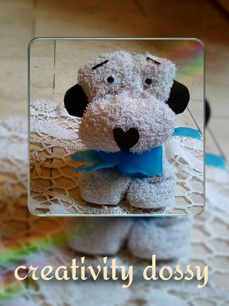 Cane fatto con asciugamani