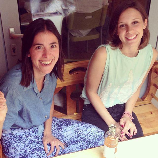 Nathalia and Jana taking a short office break! Jana is wearing our Shirt Anekdote :) #WEARASTORY #Happy #Smile #Break #Drinkkombucha! #JyotiFairWorks