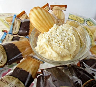 White Chocolate Cheesecake Dip from Crazy For Crusts