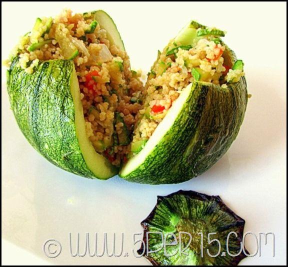 Zucchine ripiene di verdure e cous cous