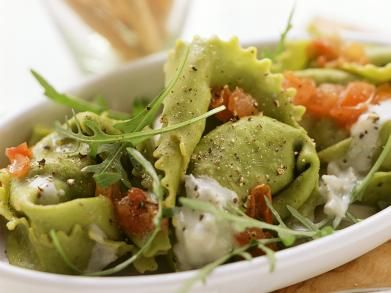 Tortellini met spinazie en gerookte zalm