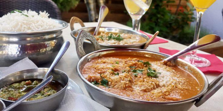 Die indische Küche wird immer beliebter, aus diesem Grund hat die Top10 Berlin Redaktion die 10 besten indischen Restaurants zusammengestellt. Jeder der indisch kennt, denkt sofort an exotische Gewürze und Schärfe in ihren Gerichten. Curry in allen Variationen, luftiges Bhatura oder Tandoori-Hähnchen. Außerdem ist das Essen schnell fertig und meistens günstig.