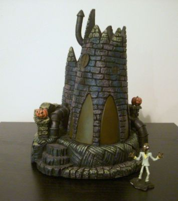 (16) Melty House from Nightmare Before Christmas Hawthorne Village 14-37414-016    with Melty