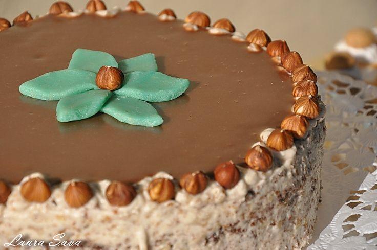 Tort de ciocolata cu crema de alune