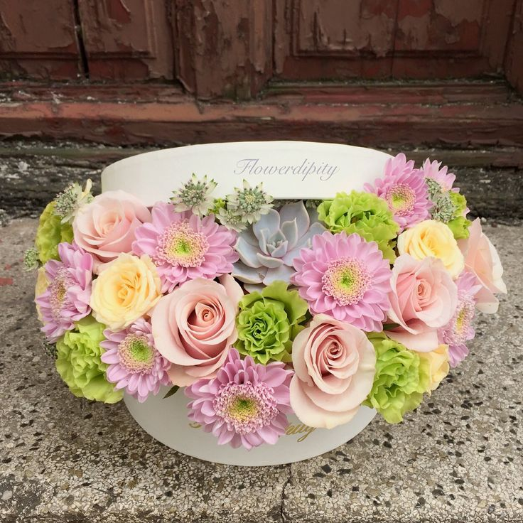 Out of the box  #pink #yellow #green #flowers #roses #silver #echeveria #corporate #delivery