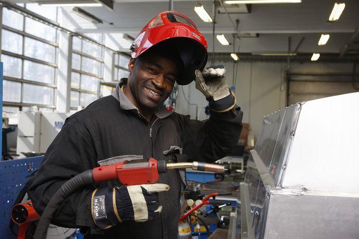 Levyseppähitsaajat työskentelevät mm. konepajoilla, levytuotteita valmistavissa yrityksissä sekä rakennustyömailla ja telakoilla. Levyseppähitsaajan työ edellyttää vankkaa käden taitoa, piirustusten lukutaitoa, työvälineiden ja työkoneiden hallintaa. Kone- ja metallialan ammateissa tarvitaan yhteistyökykyä, tarkkuutta ja huolellisuutta.