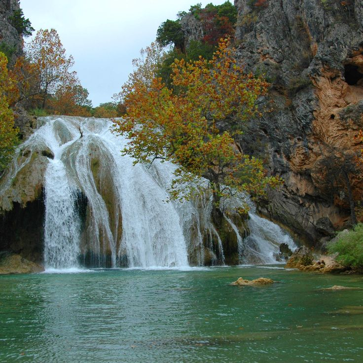 The 10 most amazing waterfalls in the US : Turner Falls : Near Davis, OK