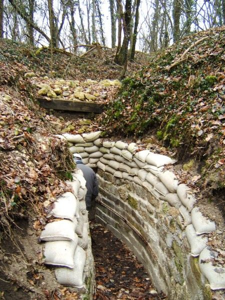 Haut lieu de la #Guerre des #Mines, le village de #Vauquois fut anéanti dès février 1915 au cours d'âpres combats qui bouleversèrent sa topographie. Crédit photo : CDT Meuse
