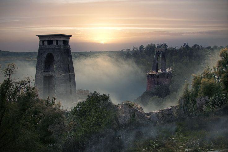 Clifton Suspension Bridge, Bristol. | 16 Eerie Visions Of Post-Apocalyptic Britain