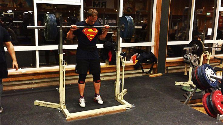 Sheiko träningsprogram styrkelyft knäböj