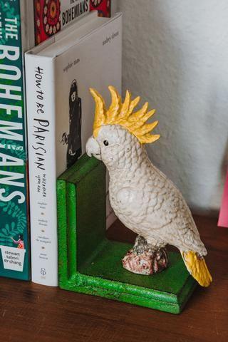 Buchstütze Kakadu Tropische Dekoration @fleuriscoeur