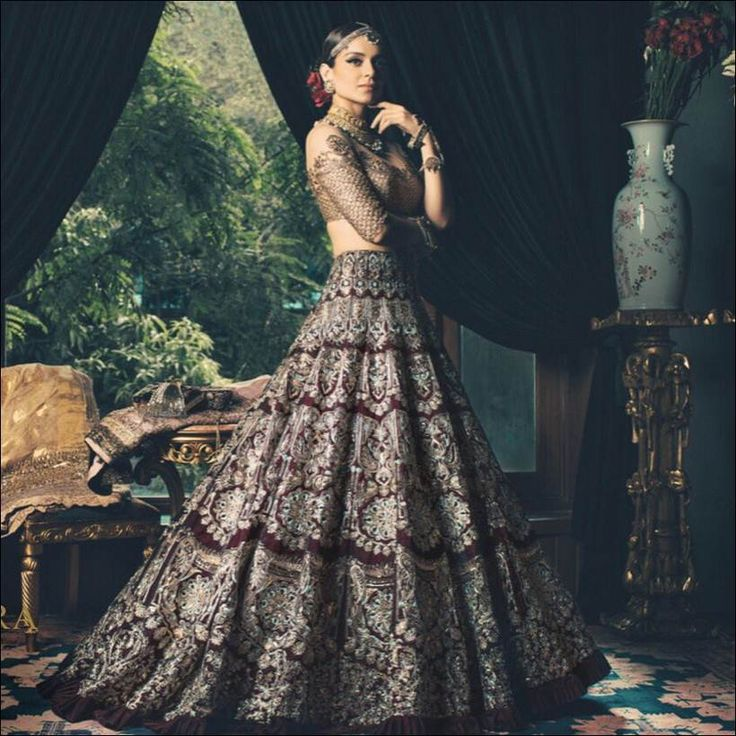 Bold And Beautiful Queen Actress Kangana Ranaut Is The Face Of Renowned Fashion Designer Manish Malhotras New Collection