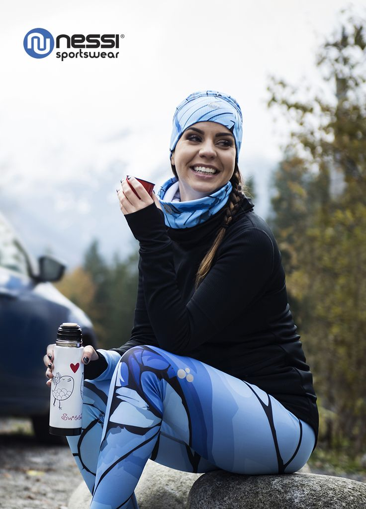 Sweatshirt with funnel neck, Long leggings with multifunction belt Nessi Turquoise twig, Thermo-active hat and Thermo-active neck warmer, rest after training, run, running, styling, fashion