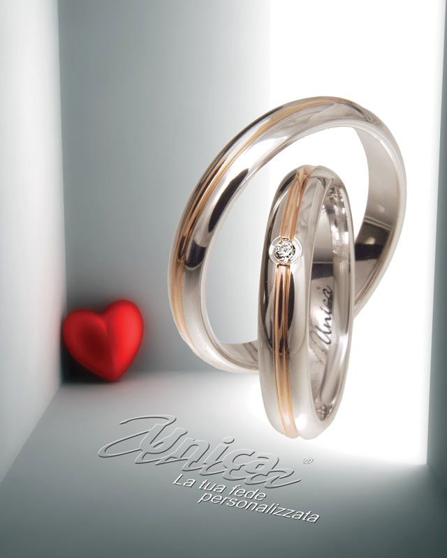 Unica ... la tradizione, la purezza ma un pizzico di passione... forma tonda, oro Bianco ma un filo tondo di oro Rosè... gli elementi e la loro simbologia...