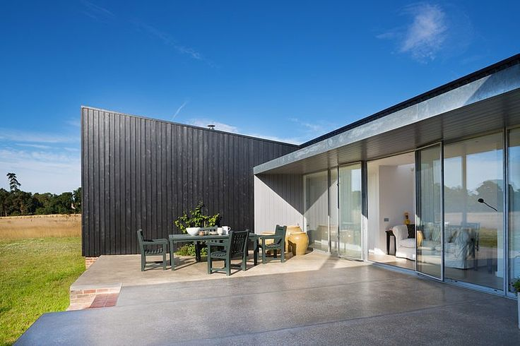 Sussex+Residence+by+Charles+Barclay+Associates