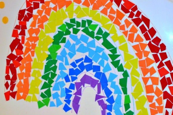 mosaic rainbow art for kids- great March activity ~ These rainbow projects brightened up my preschool class every spring! I loved when the kids made these!