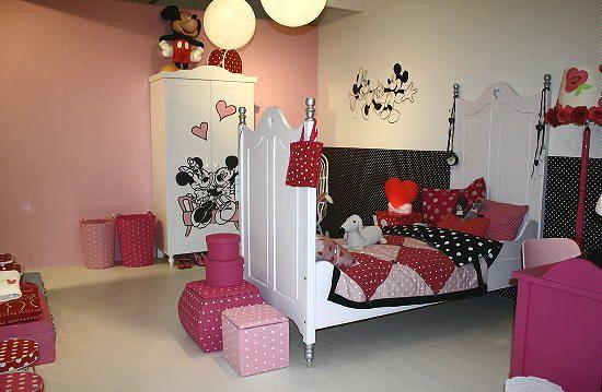 Disney at Home - Disney Kinderkamer Meubels & Decoratie met Mickey & Minnie Mouse Accessoires voor de Kinder Slaapkamer op de Ariadne at Home Woonbeurs Huis (Foto DroomHome.nl)
