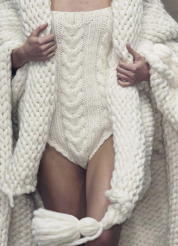 Plus de 25 id es uniques dans la cat gorie grosse laine sur pinterest tricot avec grosse laine - Plaid grosse maille laine ...