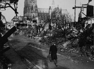 Arturo Ávila Cano El término fotografía subjetiva fue utilizado por el fotógrafo y maestro alemán Otto Steinert para designar una corriente estética de imágenes en blanco y negro que privilegiaban la forma por sobre el contenido. Fue un intento por retomar el trabajo que se había realizado en la mítica Bauhaus, pioneros de la fotografía […]