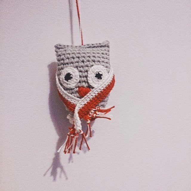 Nie nie nie, nie jest jej zimno 😜 😂 tego jej brakowało!  SZALIKA 👍?🇵🇱❕👍⏳🗼#motkovelove #handmade #gopoland #poland #ktowygramecz #owl #polishpower #pl #crochet #euro2016 #mecz #myteam #polpor #goodluck