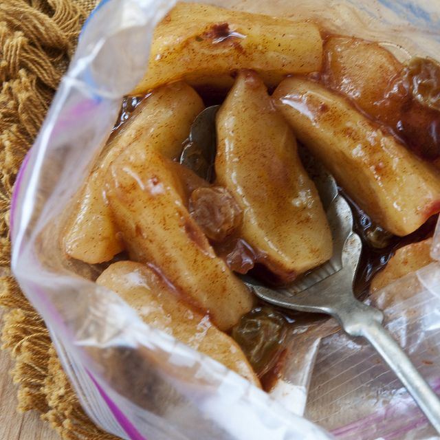 """Baked"" apples in bag (microwave). Quick and easy snack when you're craving something sweet but want something decently healthy. Yummy and very easy"