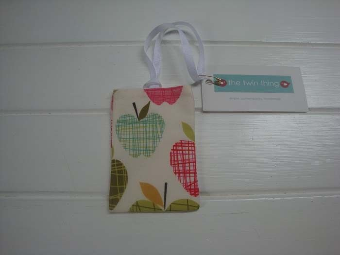 Bag Tag - Farmdale Apples by Alexander Henry Fabric | The Twin Thing Handmade | madeit.com.au