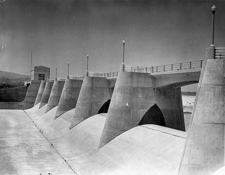 The Sepulveda Dam located in the south-central part of the San Fernando Valley, with its control tower visible in the background (1948).