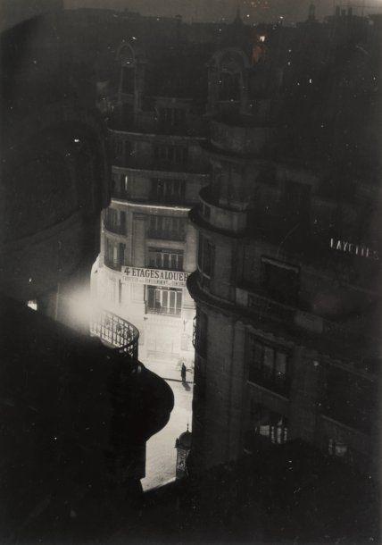 Brassaï (Gyula Halász) - Paris de Nuit, (4 floors for rent), 1932.