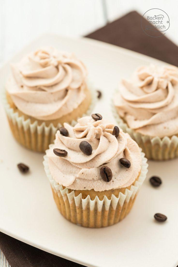 Tiramisu Cupcakes ohne Alkohol: Diese festlichen Tiramisu-Cupcakes krönen jede Kaffeetafel! Die Tiramisumuffins sind ein echter großer Urlaubs-Genuss.
