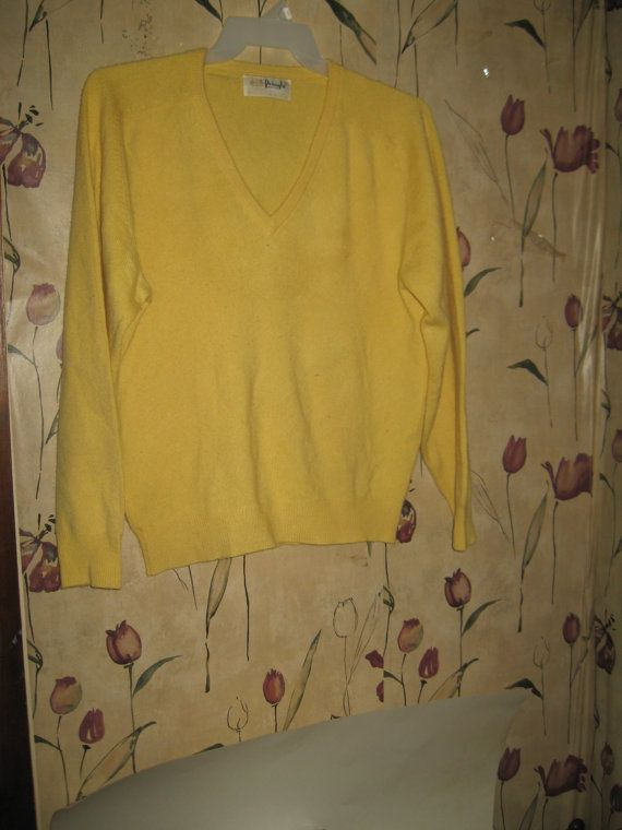Vintage   60S   Yellow PURE SOFT    Cashmere V Neck Sweater By