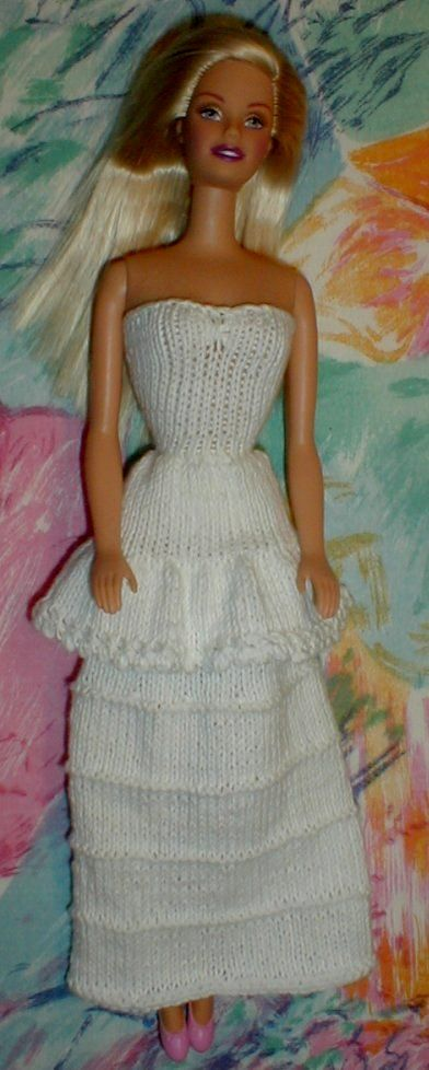 Barbie Clothes Knitting Patterns Free : 242 best images about Barbie Knitting & Makes on Pinterest Free pattern...