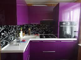 Cozinha roxa.
