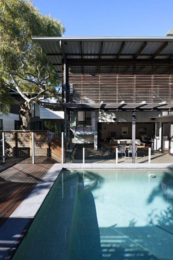Tropical coastal dwelling in Australia by BARK Design Architects