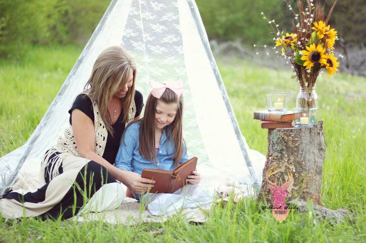 DIY Lace Teepee | Mini Sessions | Gypsy | Photography | Mommy and Me