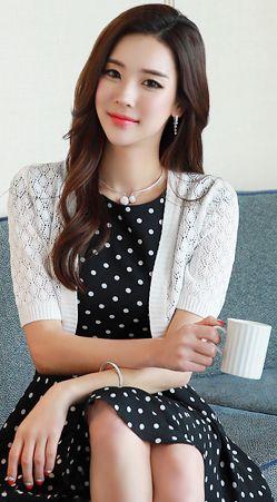 StyleOnme_Diamond Shaped Cut-Out Bolero Cardigan #white #elegant #cardigan #feminine #koreanfashion #kstyle #kfashion #dailylook #springtrend #seoul
