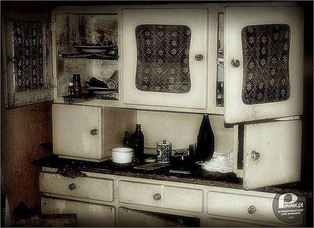 Zdjęcie numer 6 w galerii - 10 przedmiotów z PRL, które musiały się znaleźć w każdym mieszkaniu [PEWEX POLECA]