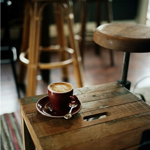 ohhh yah: Coffe Tables, Sunday Mornings, Coffe Design, Cups Of Coffe, Recycle Furniture, Coffee, Coffe Cafes, Old Crates, Coffe Shops